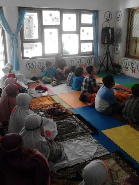 Kegiatan Belajar Sholat di Rumah Cerdas Islami (46)