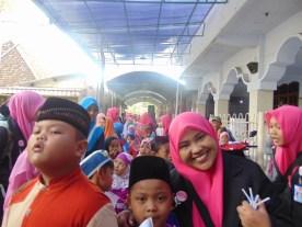 Pawai Taaruf Rumah Cerdas Islami Jombang dalam rangka Peringatan Isra Miraj 2016 (142)