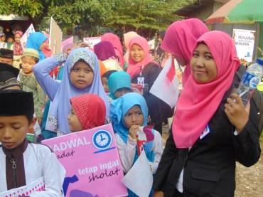 Pawai Taaruf Rumah Cerdas Islami Jombang dalam rangka Peringatan Isra Miraj 2016 (163)