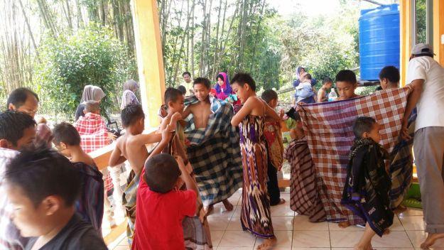 Khatan di Kampung Lobou Timbua, Ranau