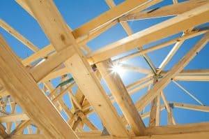 rangka atap baja ringan yang paling bagus vs kayu manakah lebih baik