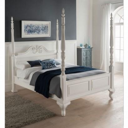 Tempat Tidur Baru Empat Poster