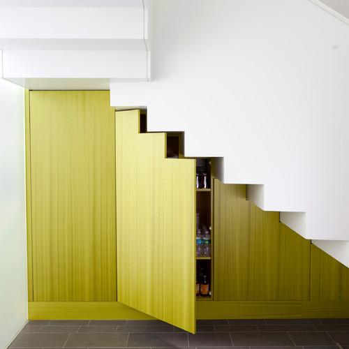 4 Ide Desain Interior Ruang Tamu Minimalis Bawah Tangga