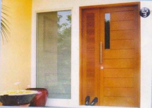 Gambar Pintu Rumah Minimalis 2 Pintu Besar Kecil 2
