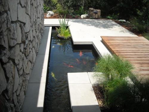 Kolam Ikan Kecil di Teras Depan Rumah 15 - 30 Desain Kolam Ikan Minimalis Kecil di Halaman Rumah