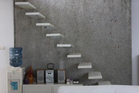 Desain Tangga Besi Minimalis Melayang 1 - 16 Model Tangga Besi Minimalis untuk Rumah Tingkat Terbaru