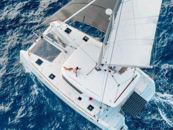 catamaran alquiler castellon