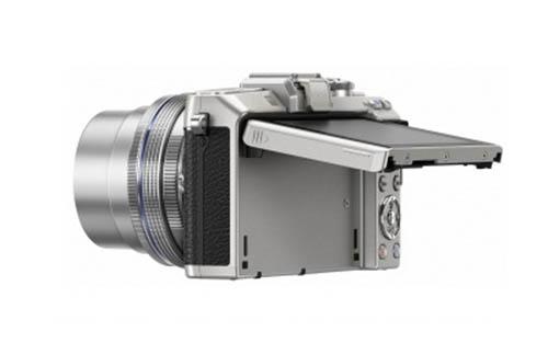 [RK5] UPDATED: Bocoran Gambar Kamera Olympus E-PL7, Lensa Zoom PRO dan Silver E-M1