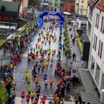 ハーフマラソンで初心者がリタイヤせず走るための、前日の準備と距離ごとの走り方は?