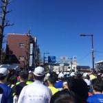 気温差差激しいマラソン大会の強い味方!ゼッケンが透けるウインドブレーカーが使えるよ!