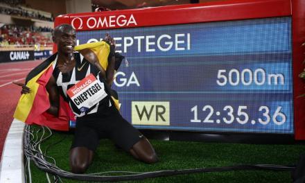 Tentative de record du 10000 m le 7 octobre par Joshua Cheptegei à Valence.