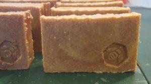 runamuk-beeswax-soap