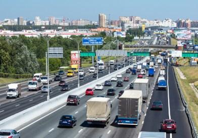 Москвич пробежал 108 км по МКАДу в День города