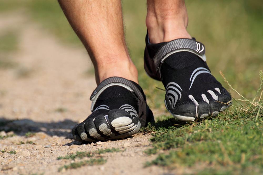 Минималистичные кроссовки FiveFingers с подошвой 7,5 мм