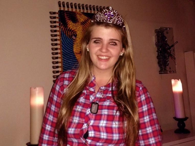 Daleen Booyse wearing a tiara