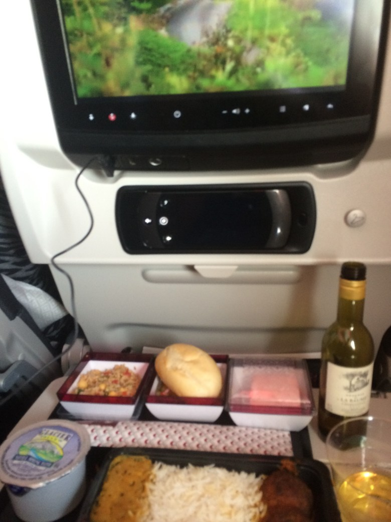 Qatar meal on flight New York to Qatar