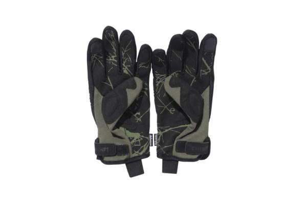 cav-empt-touch-sensitive-gloves-2