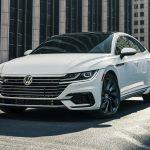 El Volkswagen Arteon 2019 es elegante pero no costoso