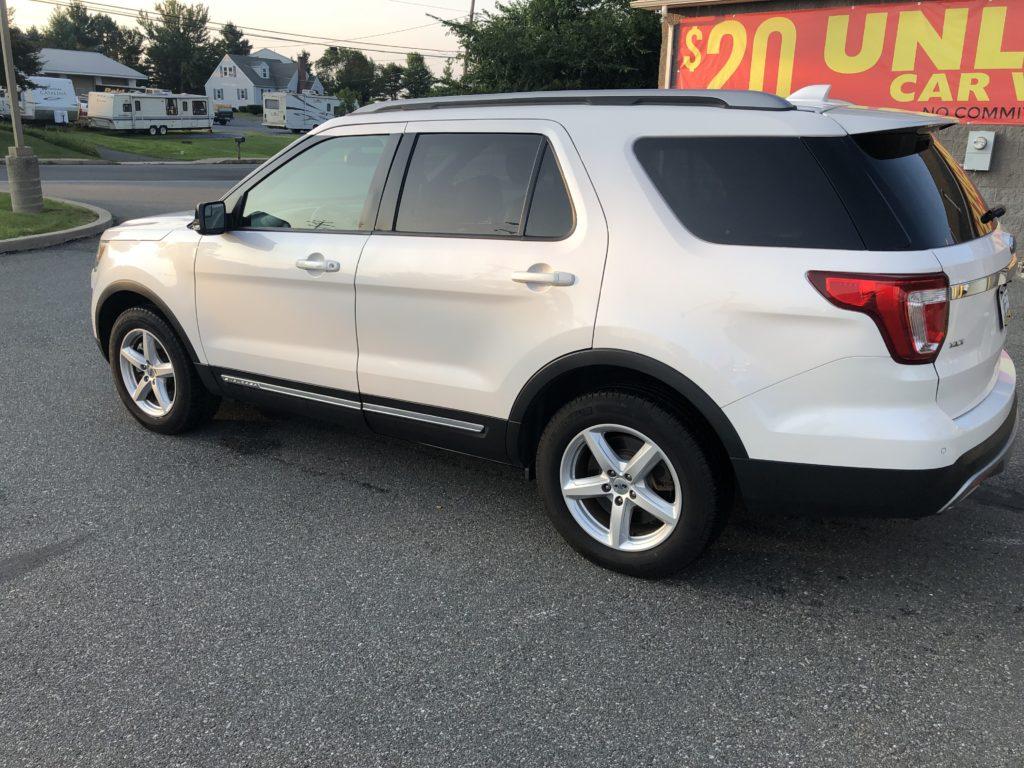 2016 Ford Explorer XLT full