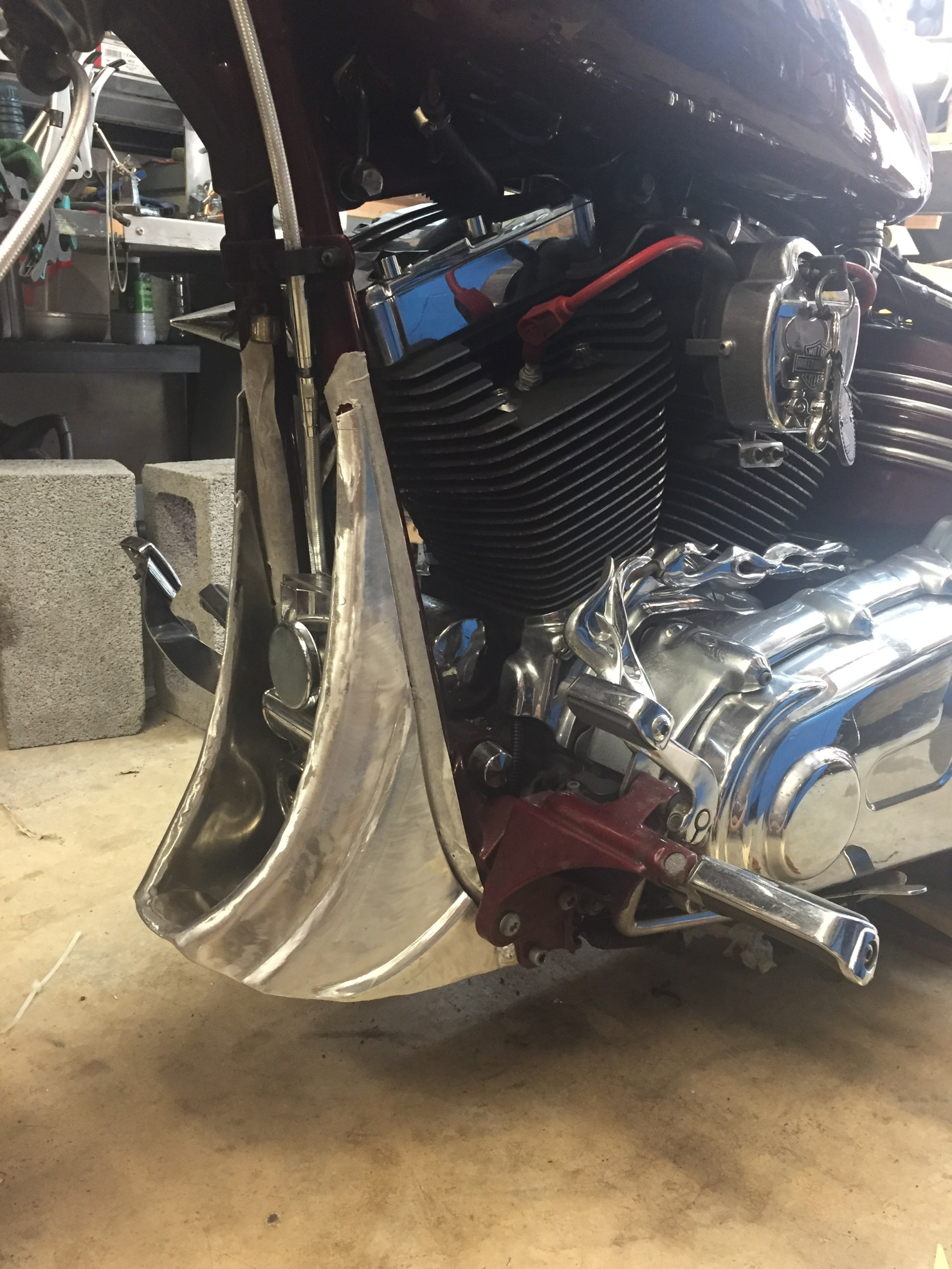 Sabot inférieur Harley Davidson Rocket fabriqué à la réunion par Run Iron Works