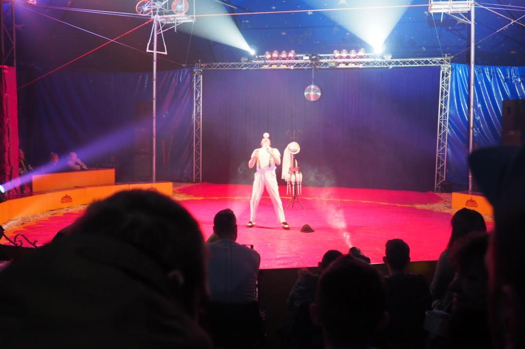 juggling the paulos circus