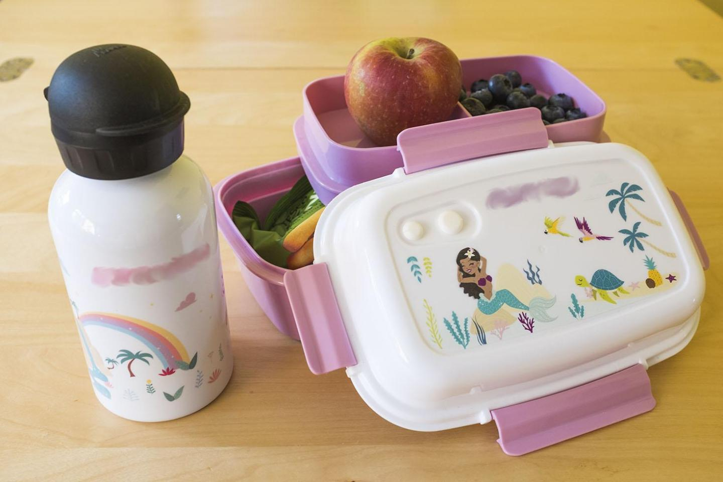 personalised drink bottle and lunchbox