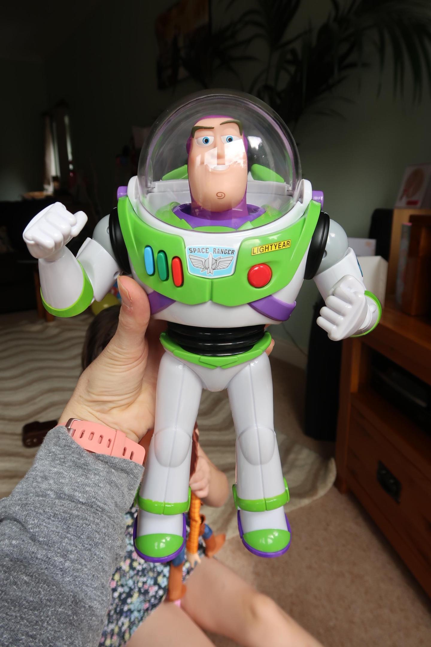 smyths toys buzz
