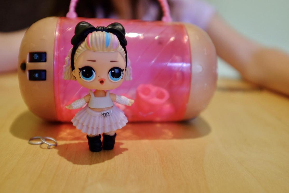 L.O.L. doll and carry case