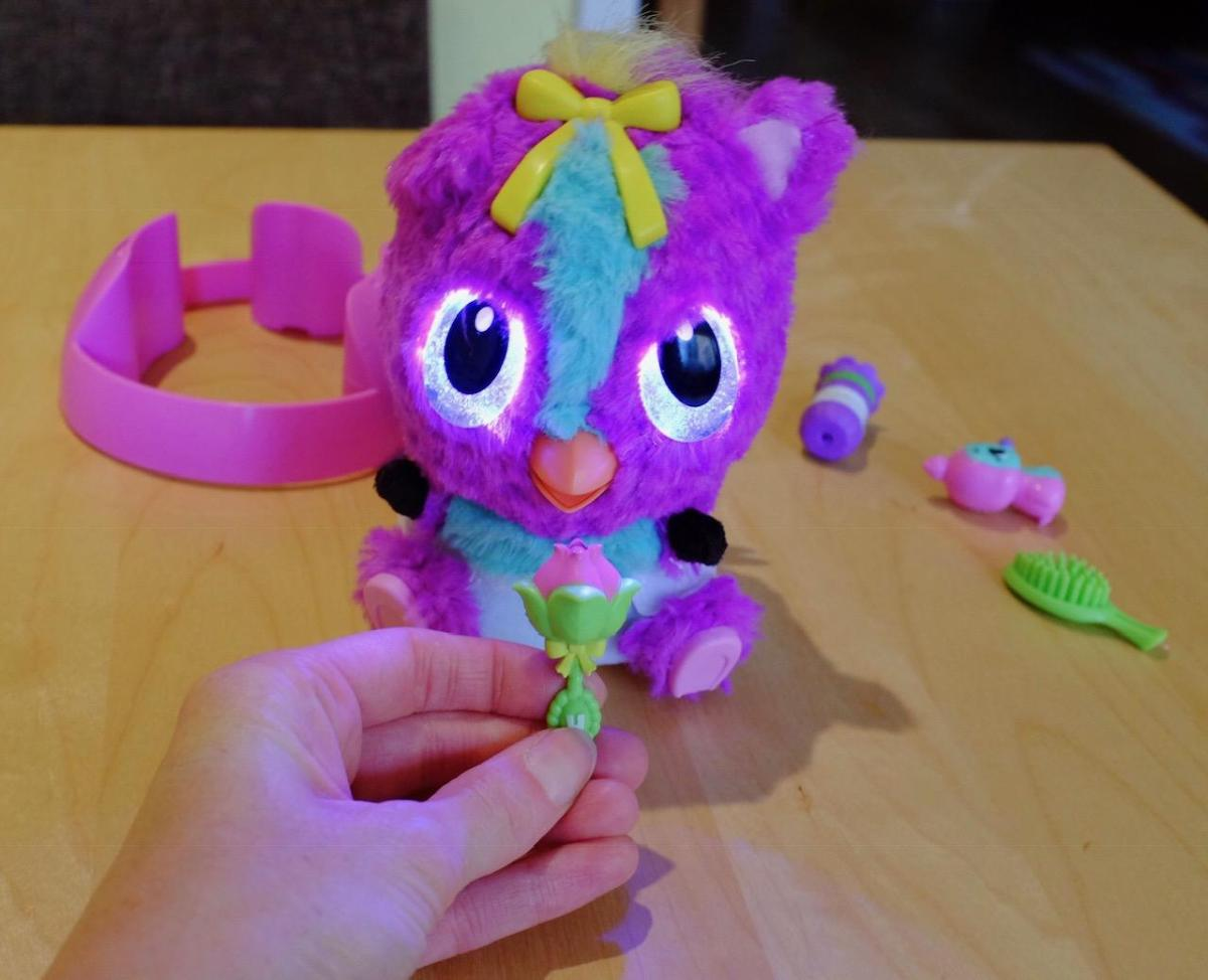 Using the rattle with the Hatchimals HatchiBabies
