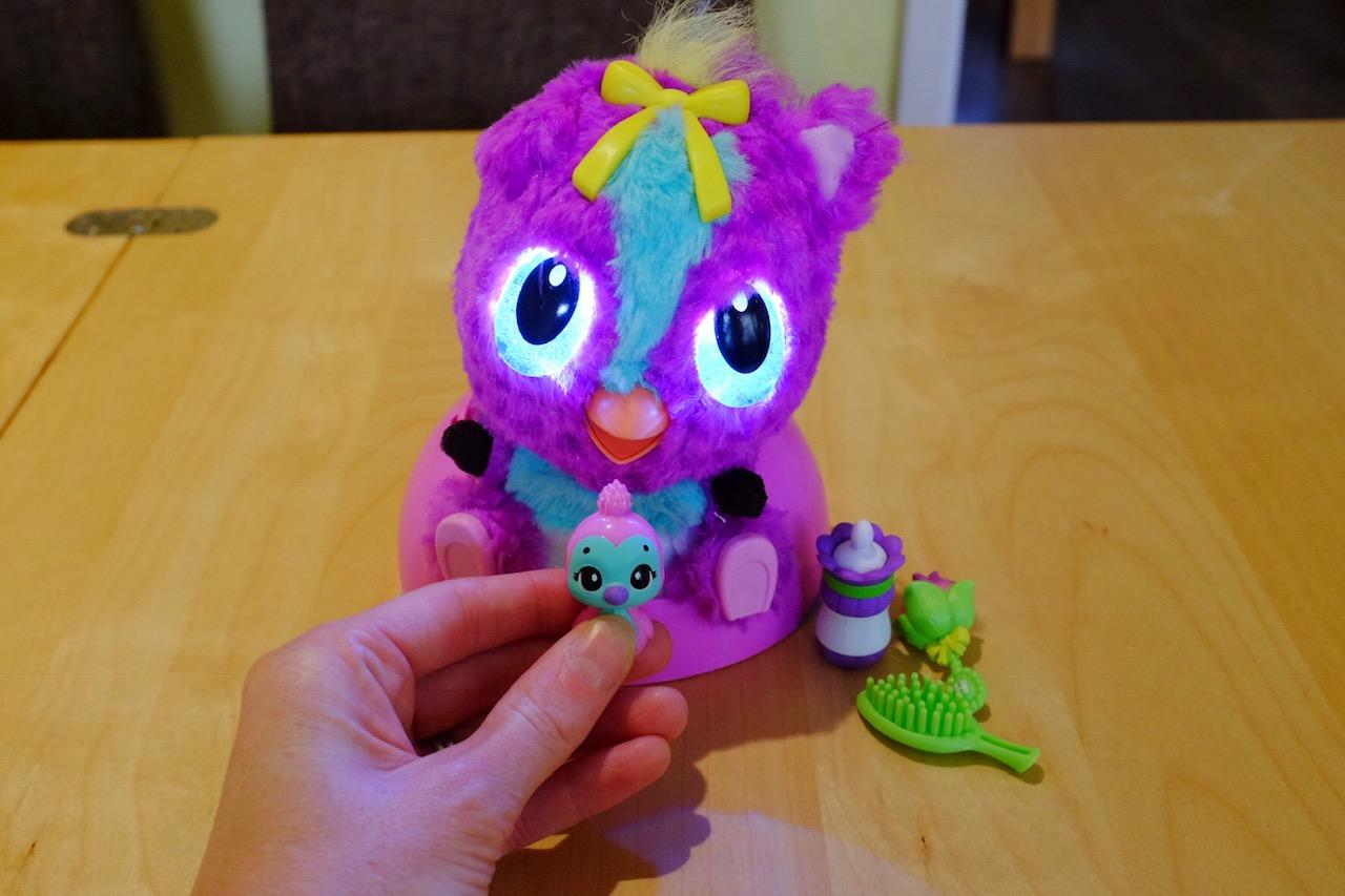Using the cuddle buddy with Hatchimals HatchiBabies