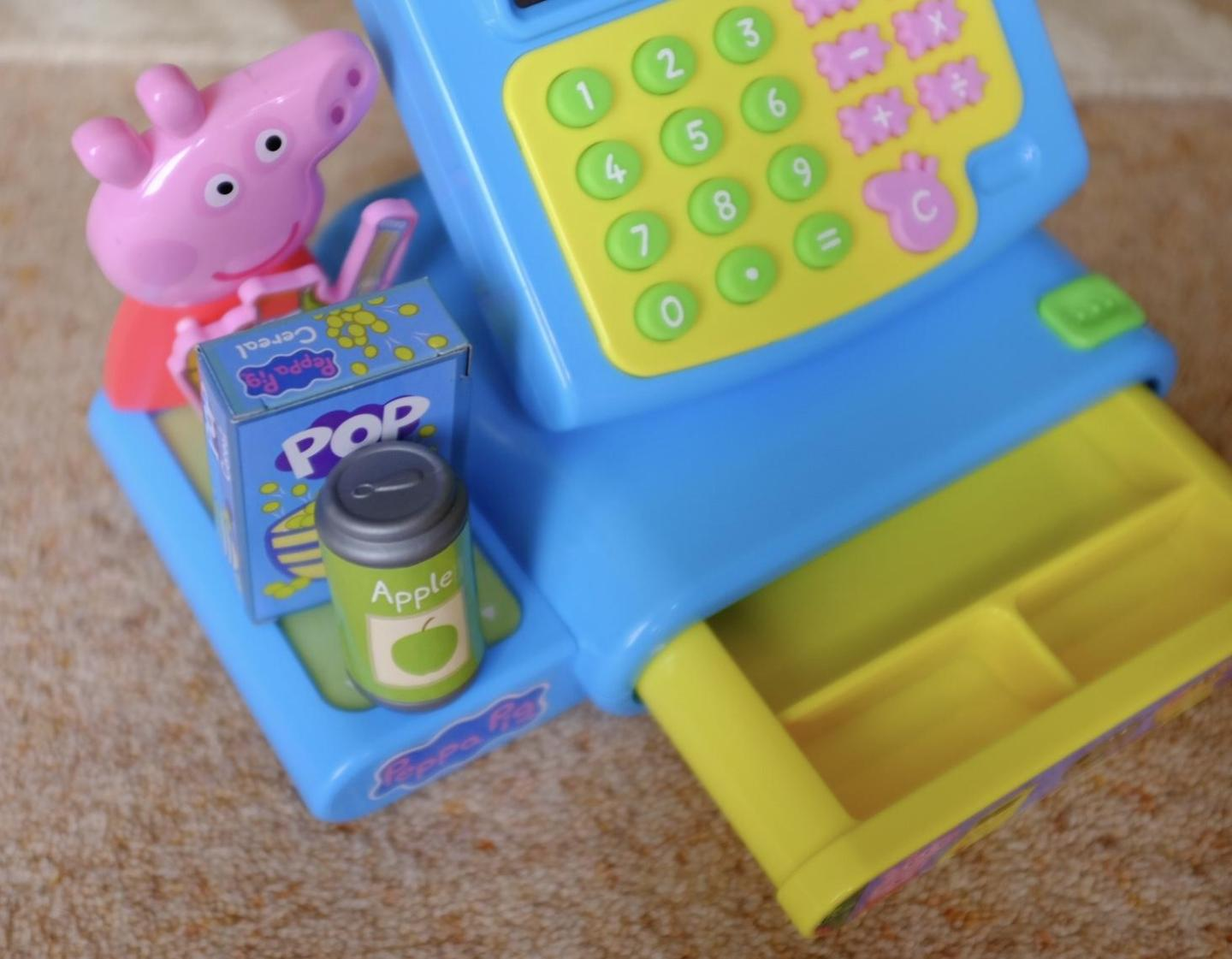 The till and conveyor belt on The Peppa Pig cash register