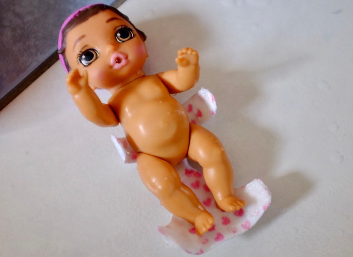 colour change nappy BABY Born Surprise