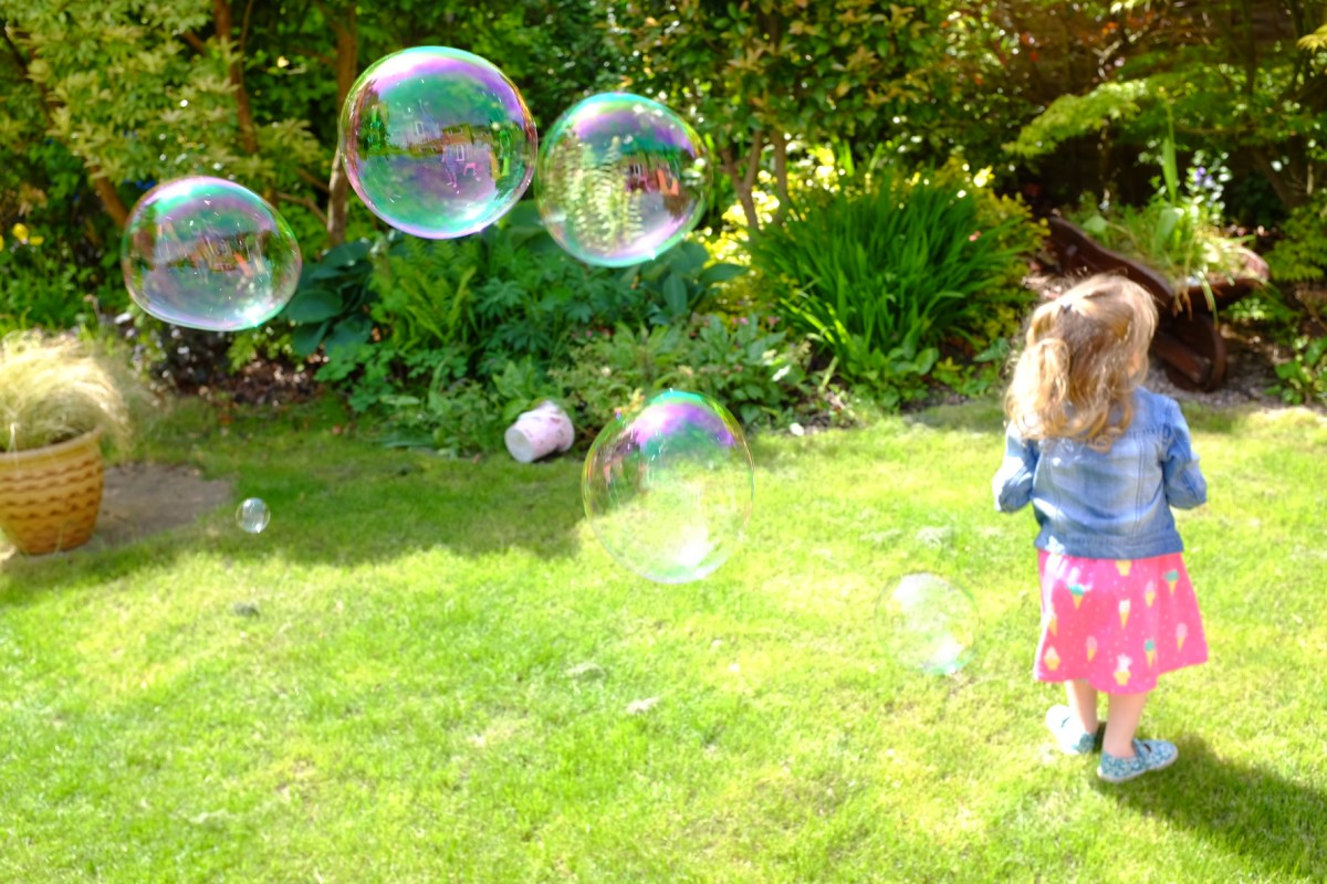giant bubbles from MegaBlaster