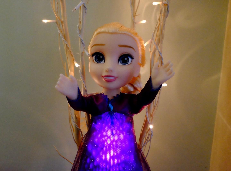 Elsa singing doll lit up