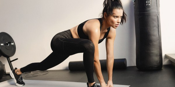 Adriana Lima tenis Gym Mode XT