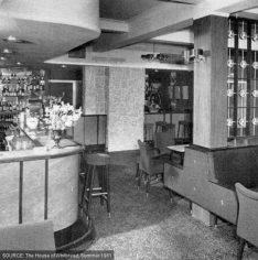 roebuck_lewisham_650_saloon_bar