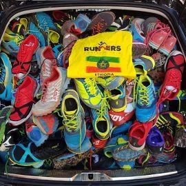 Donación de zapatillas de la marca Inov-8 Spain