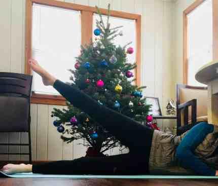 Christmas Workout Leg Lifts