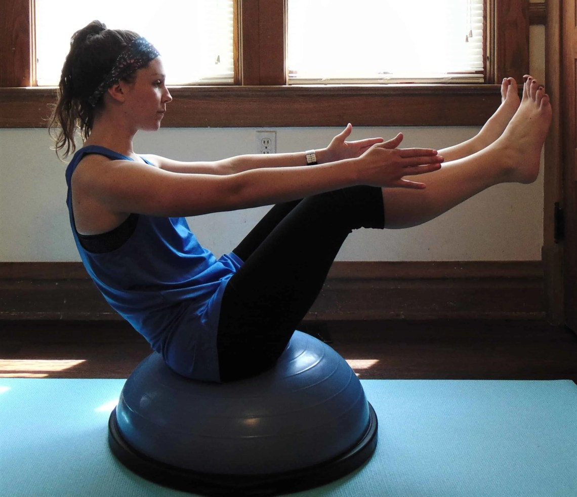 This full body bosu ball workout for runners will greatly increase your strength while toning all your muscles! The bosu ball adds balance training to these classic bodyweight moves, intensifying their effect and building even more strength. It's perfect for beginners and advanced alike. You won't want to miss these bosu ball exercises!