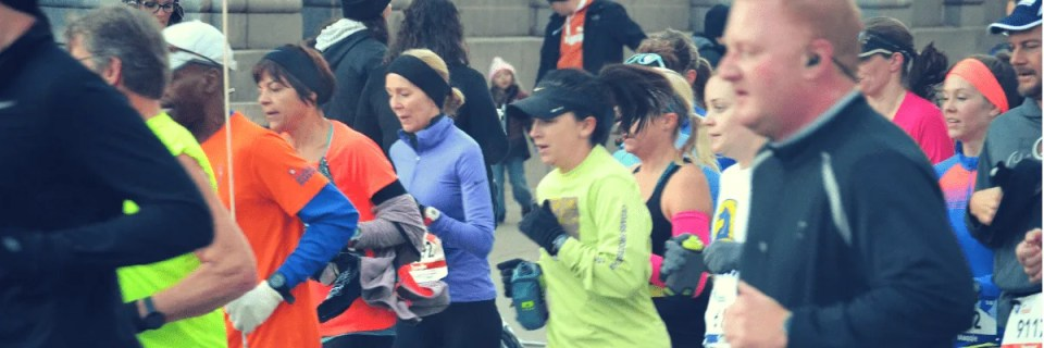 Setting a running goal during training is a great source of motivation when things get tough. But after months of training, it's easy to feel discouraged if you don't meet your running goal on race day. Here are 6 ways to recover after a missed running PR. #runninggoal #runningpr #raceday #goalrace