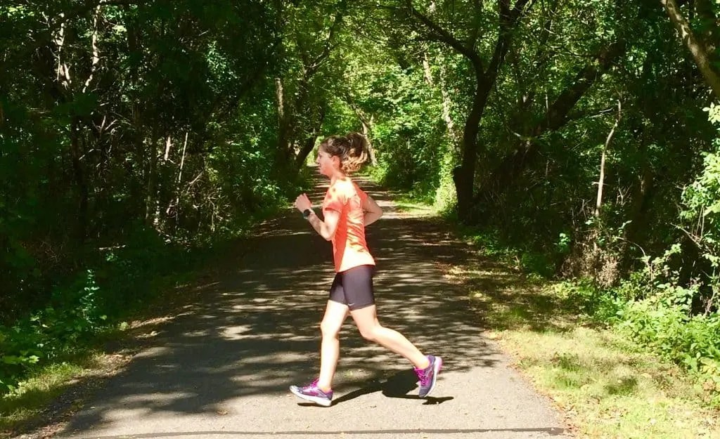 These 5 running form drills are a simple and effective way to improve running speed and technique. Try these running drills before or after a run to correct bad form and encourage proper form with ease. #runningdrills #runningform #runningformdrills