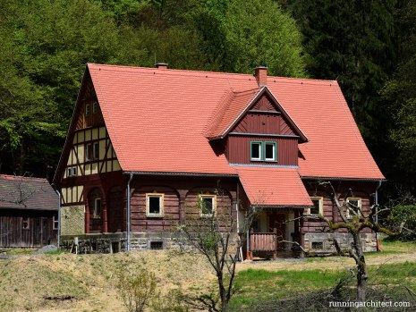 vernacular architecture in the CZ PL DE triangle