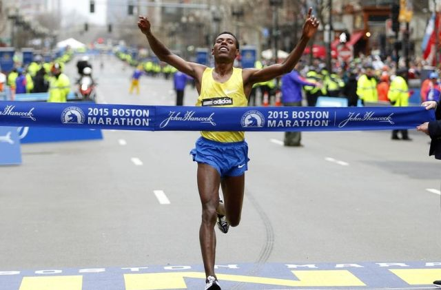 lelisa-desisa-running-boston-marathon-850x560