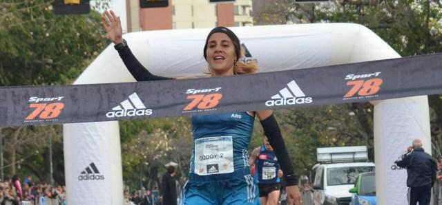 Media Maraton Rosario - Rosa Godoy - Ganadora
