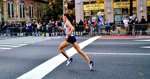 Molly Huddle en el maratón de Nueva York, en 2016 (Foto @steffbch)