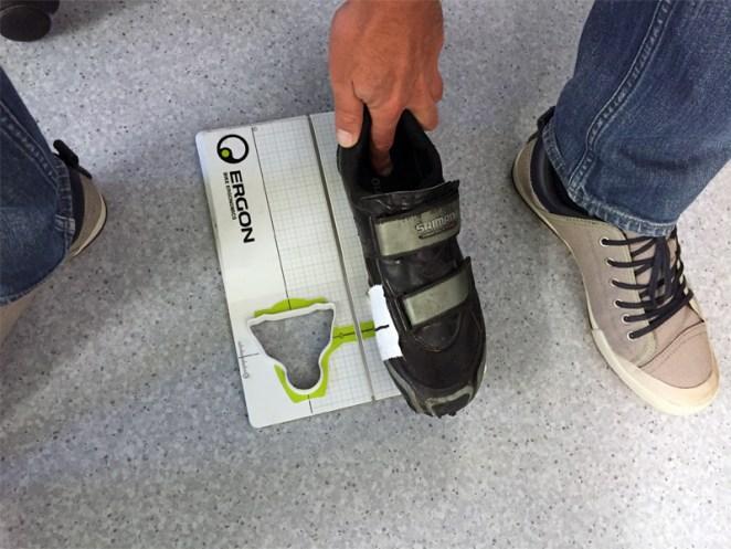 Le réglage des cales grâce à l'outil dédié