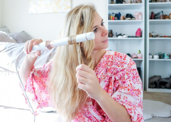 How to Use a Curling Wand   Running in Heels