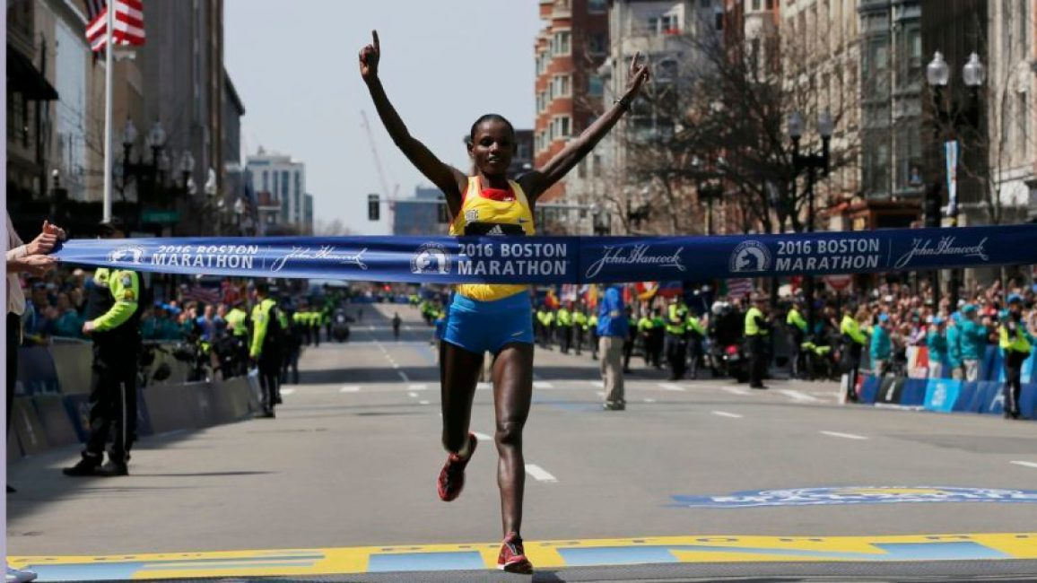 Atsede Baysa of Ethiopia crosses the finish line to win the women?s division of the 120th running of the Boston Marathon in Boston, Massachusetts April 18, 2016.  REUTERS/Brian Snyder