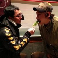 "Kim Jae Dong nourrit Lee Kwang Soo la ""girafe"""