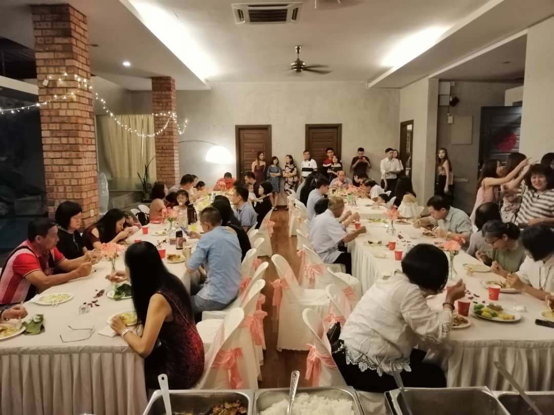 runningmen catering pre-wedding event footage with full of guests